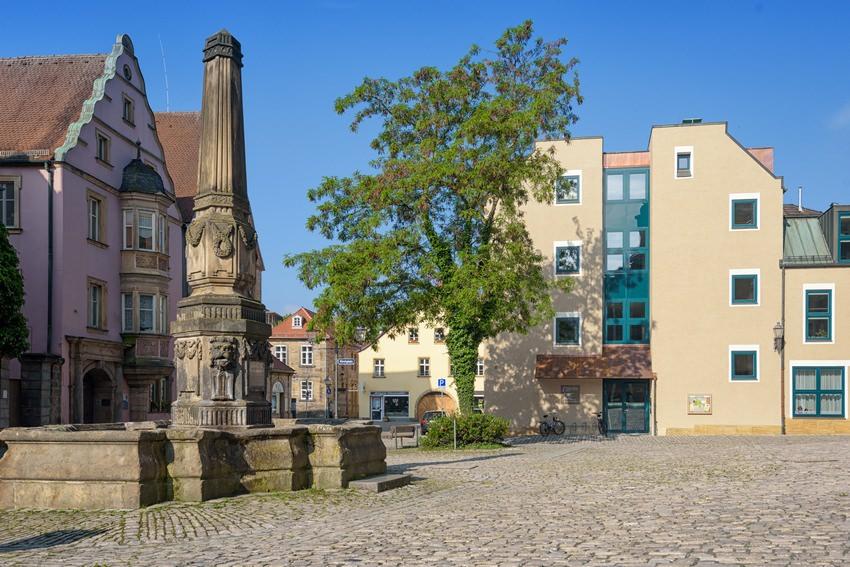 06-haus-bei-kirche-post